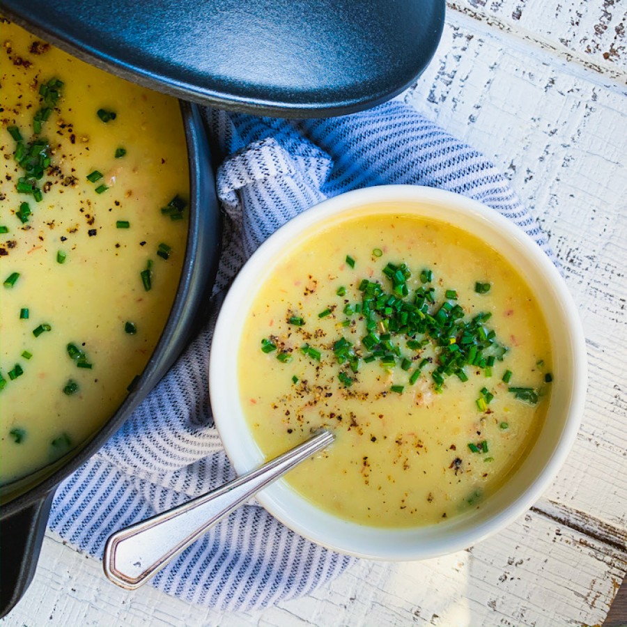 Creamy Potato, Bacon and Cauliflower Soup