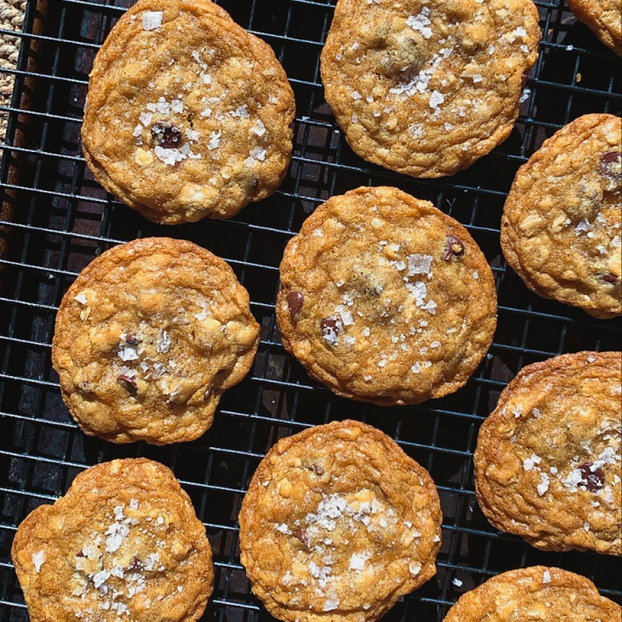 Brown Butter Oatmeal Cookies with Dark Chocolate