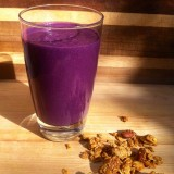 Blueberry and Granola Smoothie